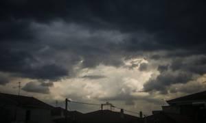 Με μπόρες και σκόνη η Παρασκευή - Η πρόγνωση του καιρού μέχρι την Τετάρτη (pics)