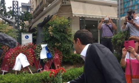 Θεσσαλονίκη: Στο μνημείο του Γρηγόρη Λαμπράκη ο Αλέξης Τσίπρας