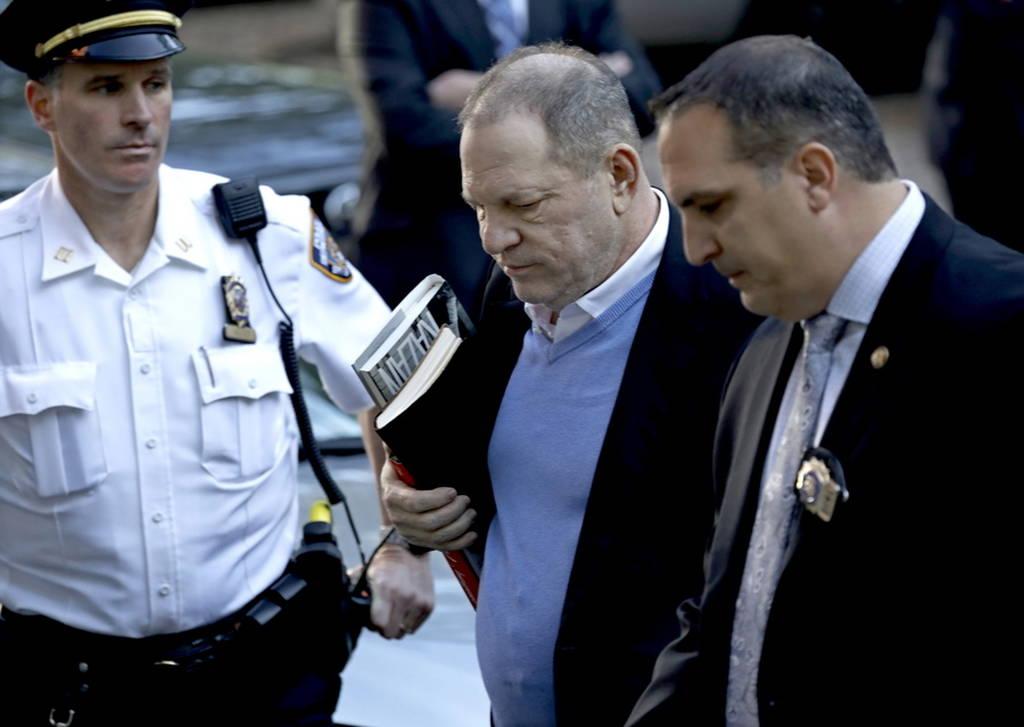 ΕΚΤΑΚΤΟ: Παραδόθηκε στην Αστυνομία ο Χάρβεϊ Γουάινσταϊν