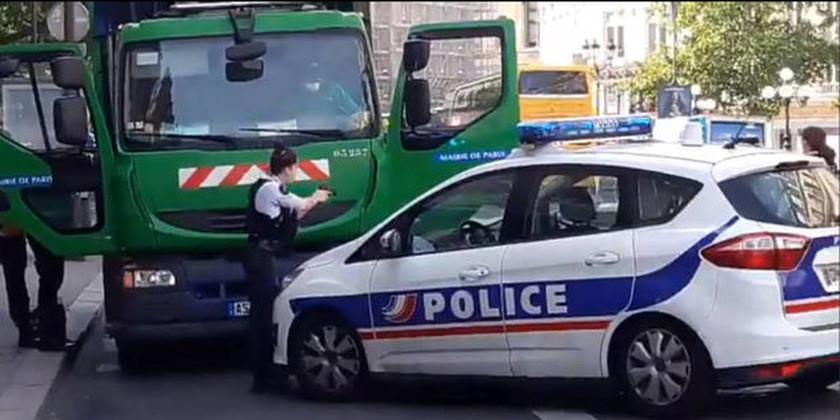 Συναγερμός στην Γαλλία: Έκλεψαν απορριμματοφόρο για να το χρησιμοποιήσουν κατά του Μακρόν (Vid)