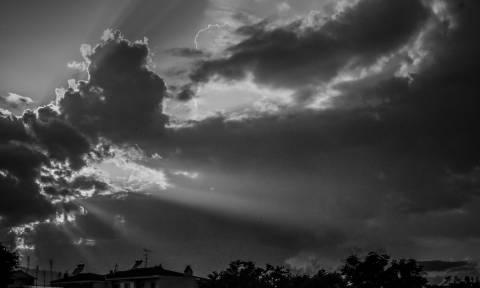 Καιρός: Συννεφιά, βροχές και καταιγίδες το τριήμερο του Αγίου Πνεύματος