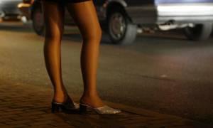 Κρατούσαν αιχμάλωτες 25 γυναίκες στη Δάφνη και τις ανάγκαζαν να εκδίδονται