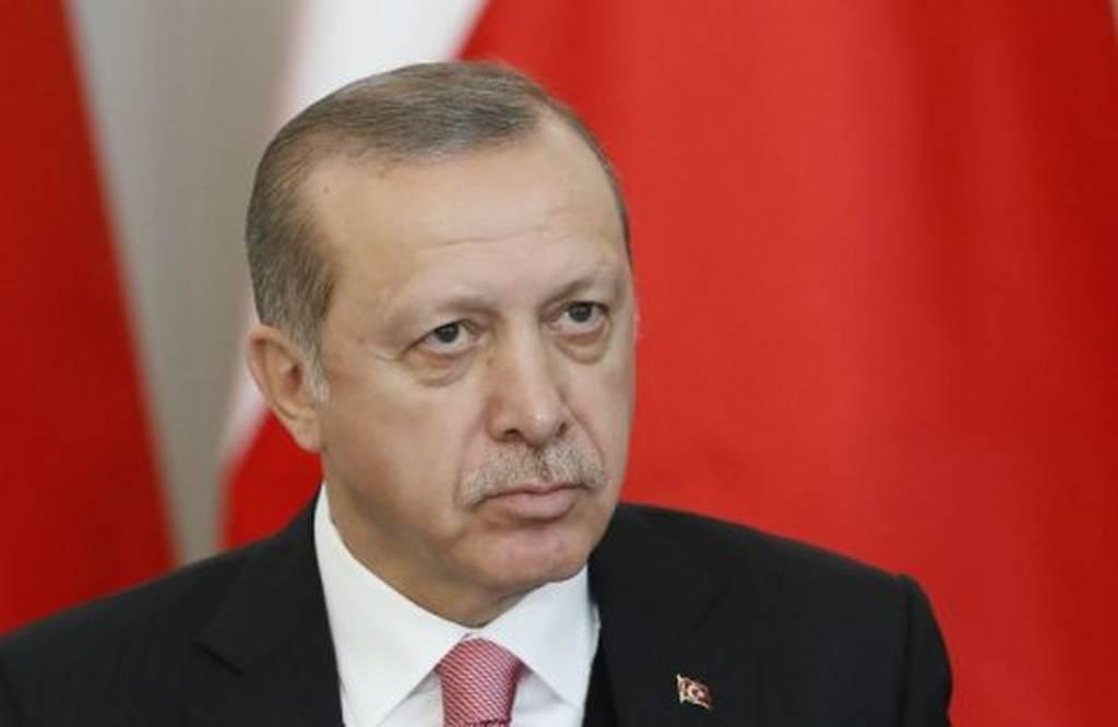 Τουρκία: «Πνίγεται» ο Ερντογάν- Βυθίζεται η λίρα και μαζί της ο «σουλτάνος»