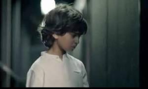 Viral σε όλο τον κόσμο η διαφήμιση με τον μικρό που ζητά από τους ηγέτες να σταματήσει ο πόλεμος