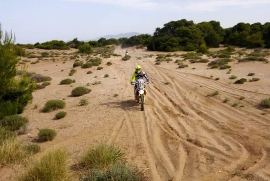 Σοκ: Αγώνας ταχύτητας με 280 μοτοσικλέτες στις φωλιές των Καρέτα - Καρέτα