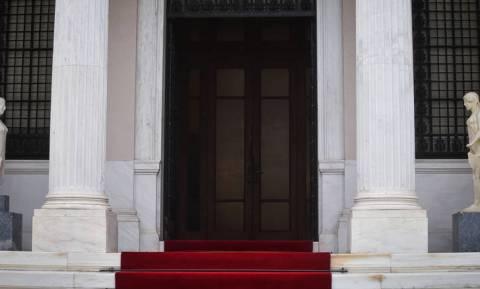 Μαξίμου: Η άγνοια του Μητσοτάκη για τη δολοφονία Λαμπράκη είναι ανατριχιαστική