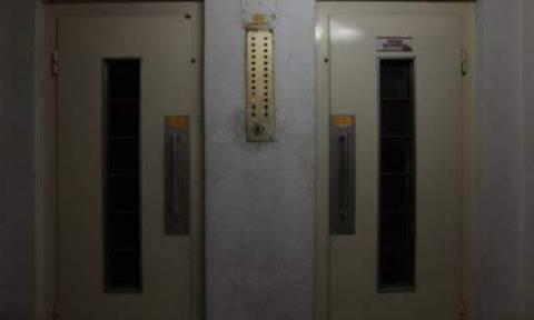 Γνωστός επιχειρηματίας βρέθηκε νεκρός σε ασανσέρ (pic)