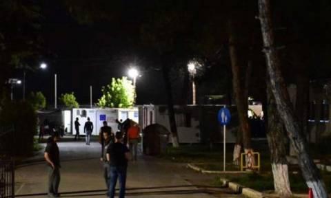 Επεισόδια μεταξύ προσφύγων με τρεις τραυματίες και στην Αλεξάνδρεια Ημαθίας (video)