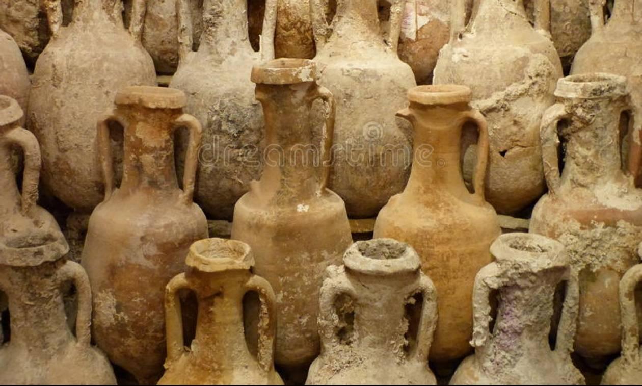 Νυχτοφύλακας φυλούσε τα αρχαία στο Μουσείο Σαντορίνης για να τα κλέψει ο ίδιος!