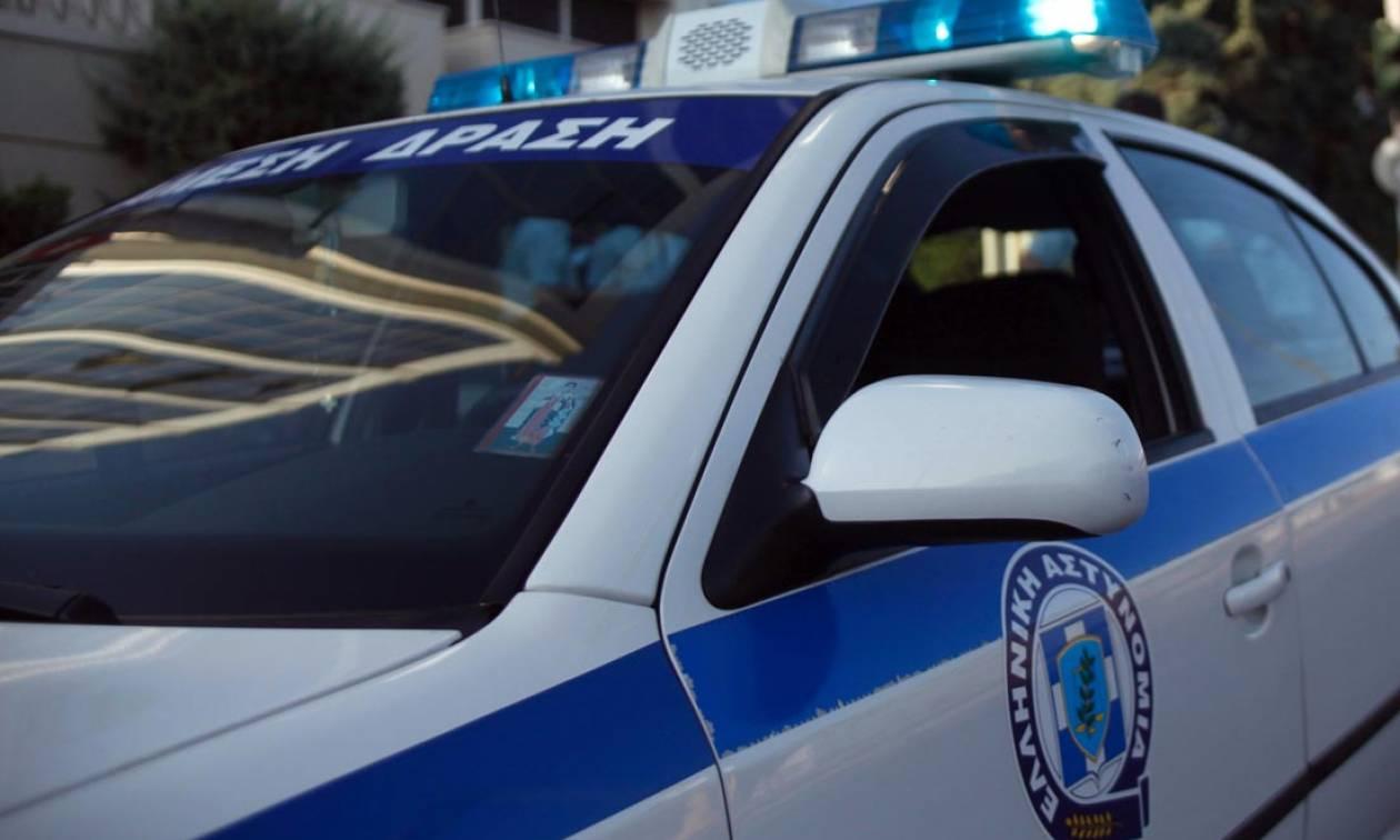 Συναγερμός στο Περιστέρι: Έκλεψαν και έκαψαν κατάστημα