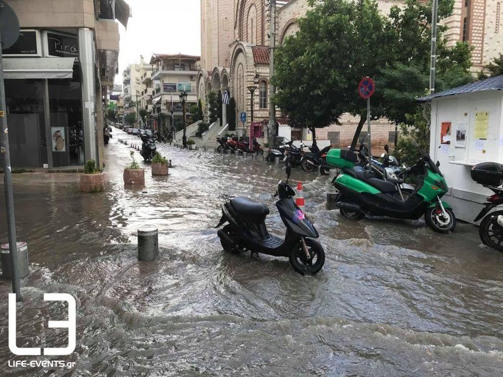 Βροχή και χαλάζι στη Θεσσαλονίκη: Λίμνη η πλατεία Ευόσμου (pics)