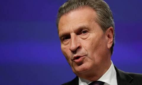 Οργή στην Ιταλία για την αδιανόητη δήλωση Έτινγκερ: «Οι αγορές θα τους μάθουν πώς να ψηφίζουν»