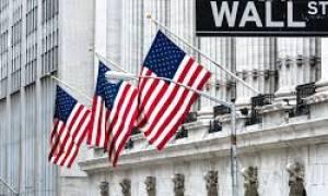 Wall Street: «Βουτιά» 400 μονάδων του Dow από την  ιταλική «καταιγίδα»