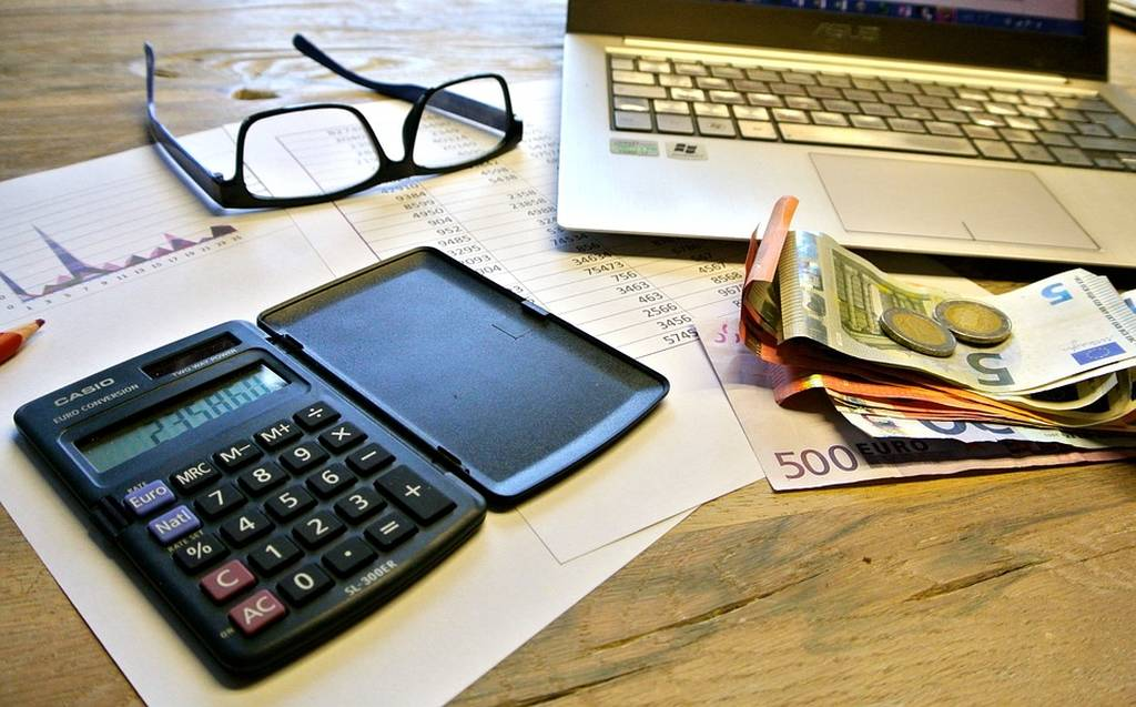 Φορολογικές Δηλώσεις 2018: Έτσι θα μειώσετε το φόρο εισοδήματος