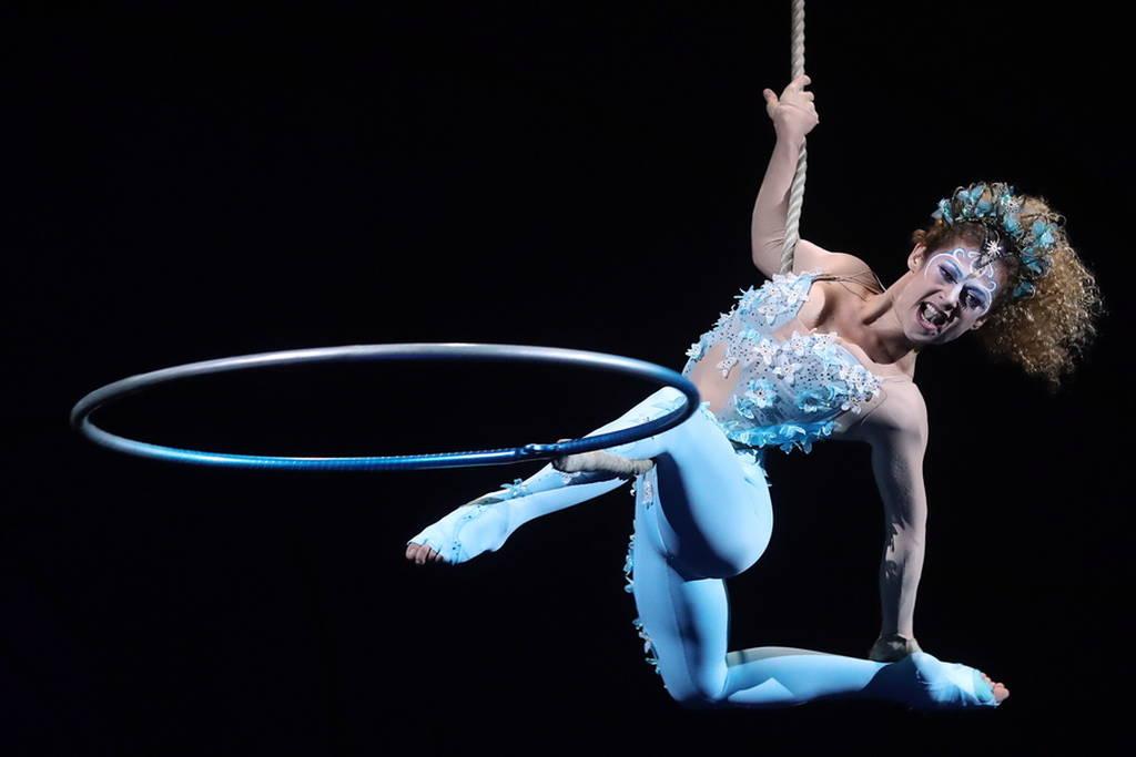 """Cirque du Soleil"": Μια καθαρά γυναικεία παράσταση που κόβει την ανάσα (pics)"