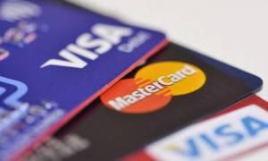 Mετρητά... τέλος: Συναλλαγές άνω των 200 ευρώ μόνο με κάρτα