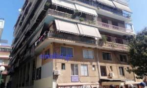 Τρόμος στο Αγρίνιο: Απειλούσε να ρίξει βρέφος από το μπαλκόνι της πολυκατοικίας