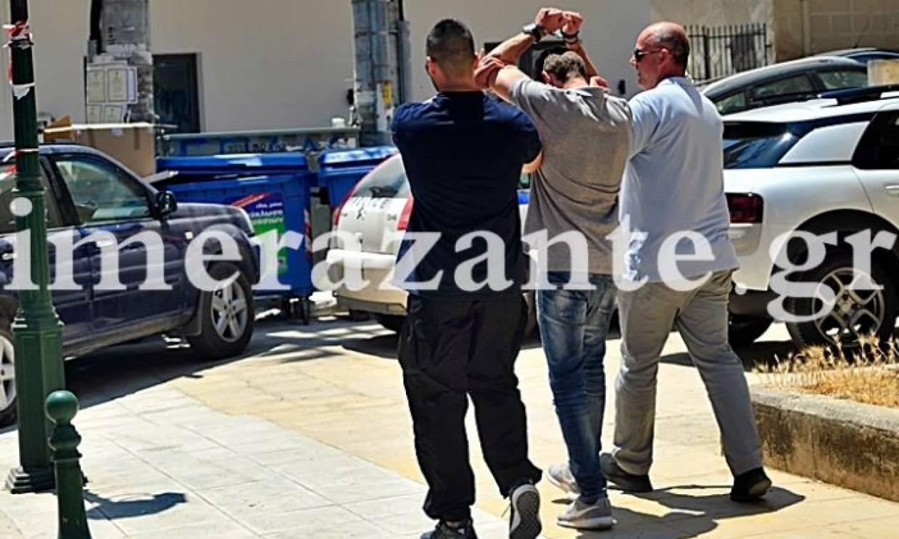 Ζάκυνθος: Χειροκρότησαν τον 26χρονο πατροκτόνο και του φώναζαν «είμαστε μαζί σου» (vid)