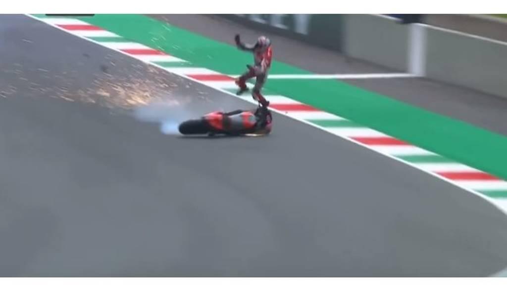 Μικέλε Πίρο: «Εκτοξεύτηκε» από τη μοτοσικλέτα του με 350 χλμ/ώρα (vid)