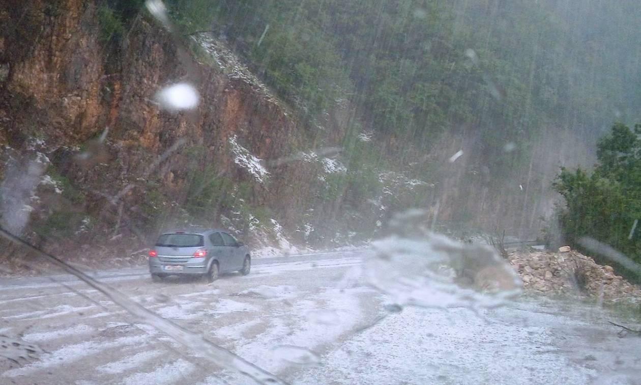 Χαλάζι και σφοδρή καταιγίδα στα Τζουμέρκα: Ακινητοποιήθηκαν οδηγοί (pics)