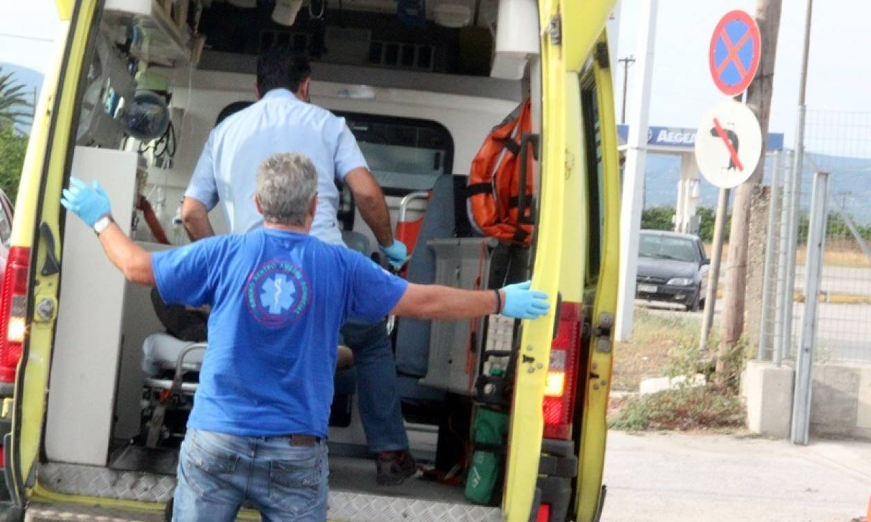 Ηράκλειο: Χαροπαλεύει νεαρός μετά από τροχαίο - Το αυτοκίνητο «καρφώθηκε» σε ελιά