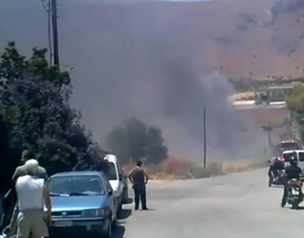 Κρήτη: Συναγερμός για φωτιά και εκρήξεις σε κατοικημένη περιοχή