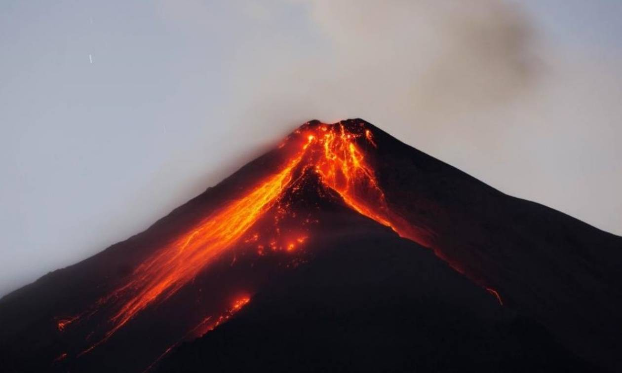 Γουατεμάλα: 25 νεκροί από το ηφαίστειο Fuego - Εικόνες χάους και τεράστιες οι καταστροφές (vids)