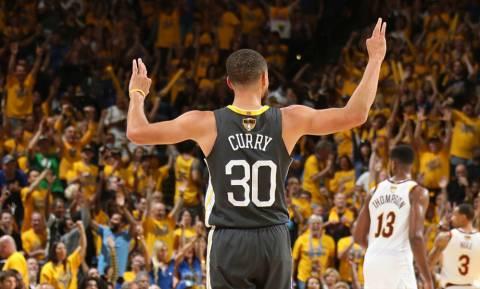 NBA: Πυροβολούσε από… παντού ο Κάρι, 2-0 οι Ουόριορς (pics+vid)