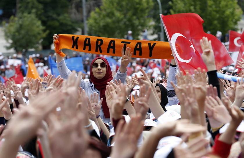 Εξοργιστικός ο Ερντογάν: Αφού πρώτα «αφάνισε» τους Κούρδους, τώρα ζητά την ψήφο τους (Vid)