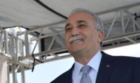 Τούρκος υπουργός χαστούκισε δημοσιογράφο επειδή… δεν του άρεσε η ερώτηση! (vid)