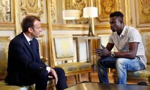 Παρίσι: Μετανάστης έσωσε δύο παιδιά από τις φλόγες και τώρα κινδυνεύει με απέλαση