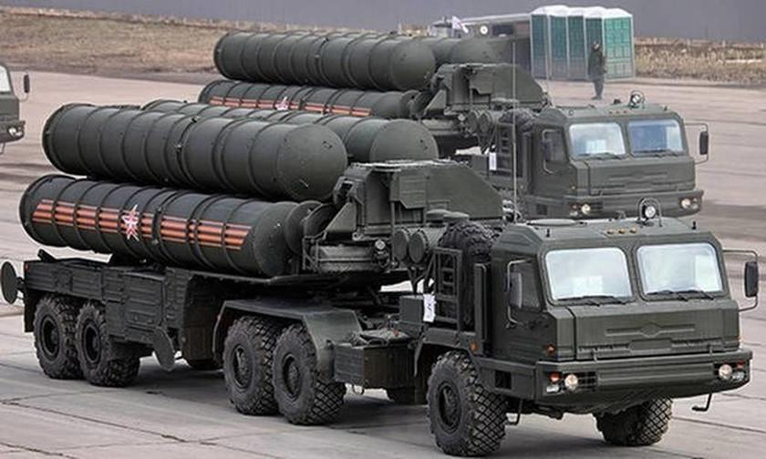 «Έκρηξη» Τσαβούσογλου: Δε θα ανεχτούμε απειλές για την αγορά των S-400 από τη Ρωσία
