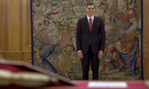 Ισπανία: Εκτός κυβέρνησης αφήνει τους Podemos ο Σάντσεθ