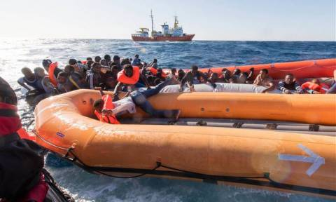 Τυνησία: Εντοπίζουν συνέχεια πτώματα -  Έφτασαν τους 60 οι νεκροί του ναυαγίου