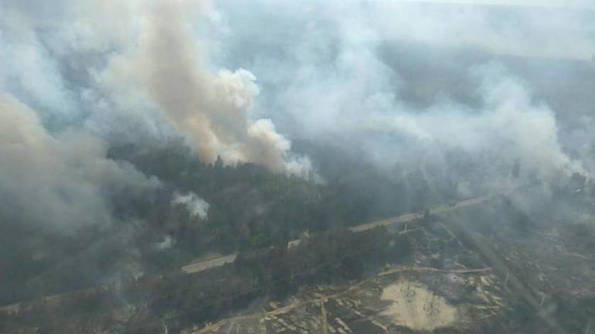 Ουκρανία: Μεγάλη πυρκαγιά κοντά στο Τσέρνομπιλ (pic)