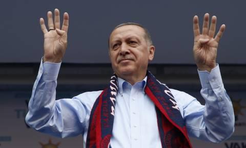 Τουρκία: Στη φυλακή σκιτσογράφος για «εξύβριση» του Ερντογάν