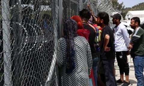 Με μειωμένα παράβολα η άδεια παραμονής στους αλλοδαπούς