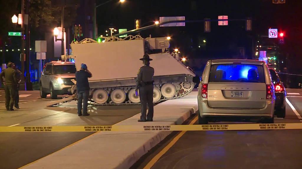 ΗΠΑ: Απίστευτη καταδίωξη στη Βιρτζίνια με κλεμμένο στρατιωτικό όχημα (video)