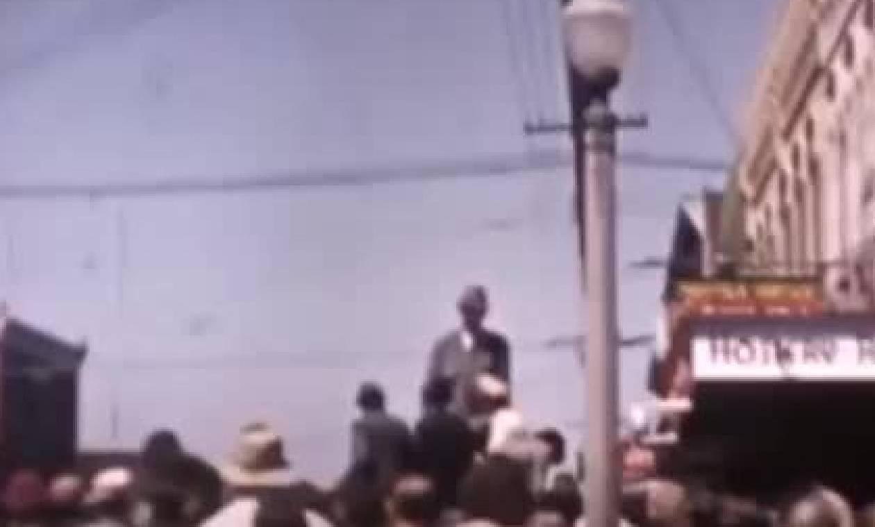 Προσοχή δεν είναι ξυλοπόδαρος, απλά ο πιο ψηλός άνθρωπος ever (video)