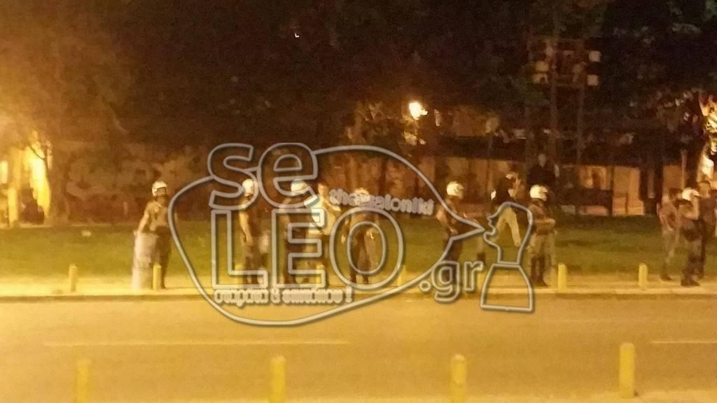 ΕΚΤΑΚΤΟ: Αυτοί έκαψαν την κλούβα των ΜΑΤ στη Θεσσαλονίκη - «Θέλουμε να τους κάψουμε»