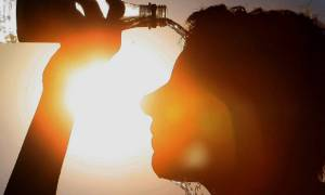 Καιρός: Έρχεται καύσωνας - Οδηγίες προφύλαξης από τις υψηλές θερμοκρασίες