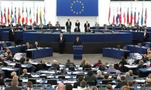 Σκάνδαλο μεγατόνων: Έπιασαν Έλληνες ευρωβουλευτές να κλέβουν από τη μισθοδοσία