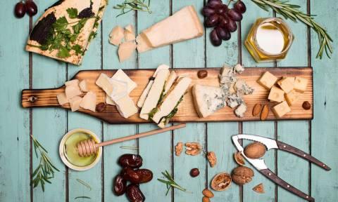 Υψηλή χοληστερίνη: Επιτρέπεται το τυρί;