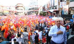 Σε πανικό ο Ερντογάν: Χάνει την κοινοβουλευτική πλειοψηφία σύμφωνα με νέα δημοσκόπηση