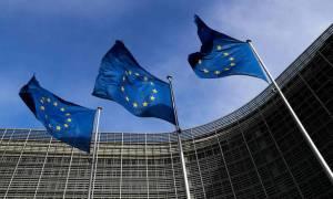 Οι Βρυξέλλες ζητούν διευκρινίσεις για το «πάγωμα» της συμφωνίας για το προσφυγικό