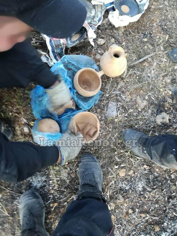 Φθιώτιδα: Απίστευτο! Η πυρκαγιά στην Αταλάντη αποκάλυψε κρυμμένα αρχαία αντικείμενα! (pics)