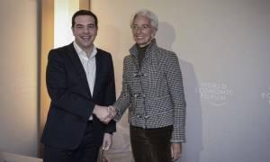 Handelsblatt: Οικονομικά και πολιτικά διαχειρίσιμη η αποχώρηση του ΔΝΤ