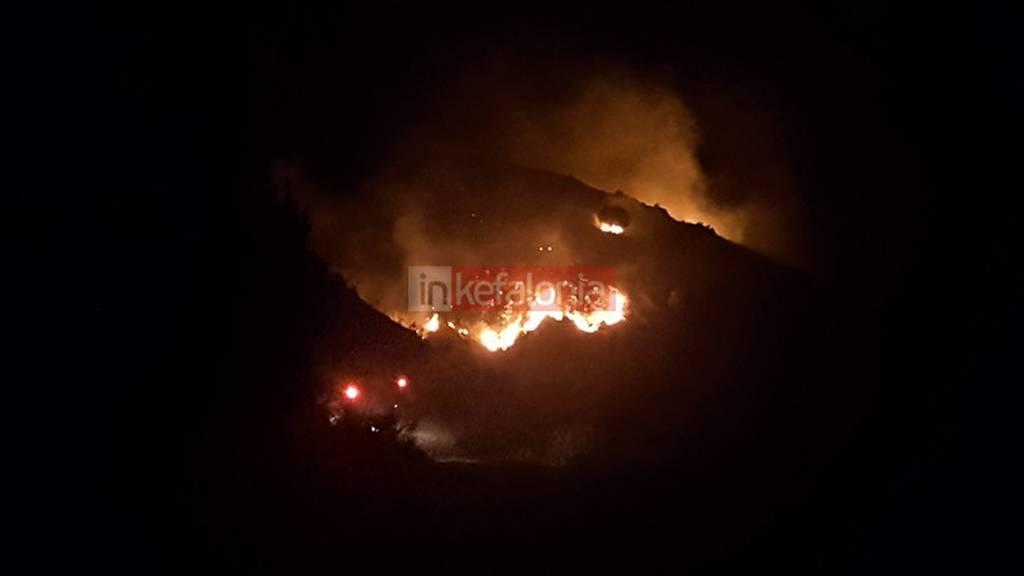 Κεφαλονιά: Μεγάλη πυρκαγιά στην Κοντογενάδα Παλικής
