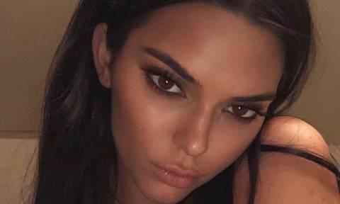 Η Kendall Jenner φόρεσε ένα μαγιό, το οποίο ΔΕΝ κάλυπτε ούτε τα απαραίτητα