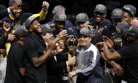 NBA: Στέψη στο Κλίβελαντ για Ουόριορς (pics+vid)